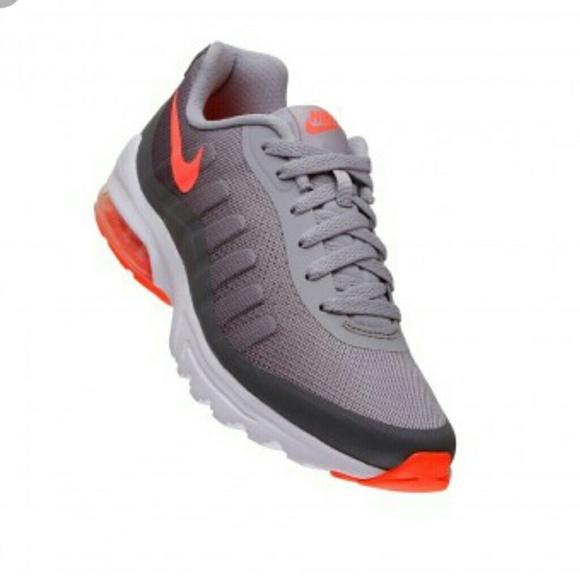 c6c11b93785b Nike Women s Air Max Invigor Print Running Shoe. M 5a3a647646aa7c8a7e03e530